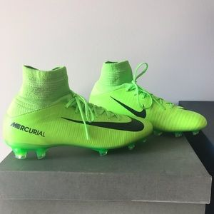 Nike Youth Mercurial SuperFly V FG Soccer Cleat 4Y